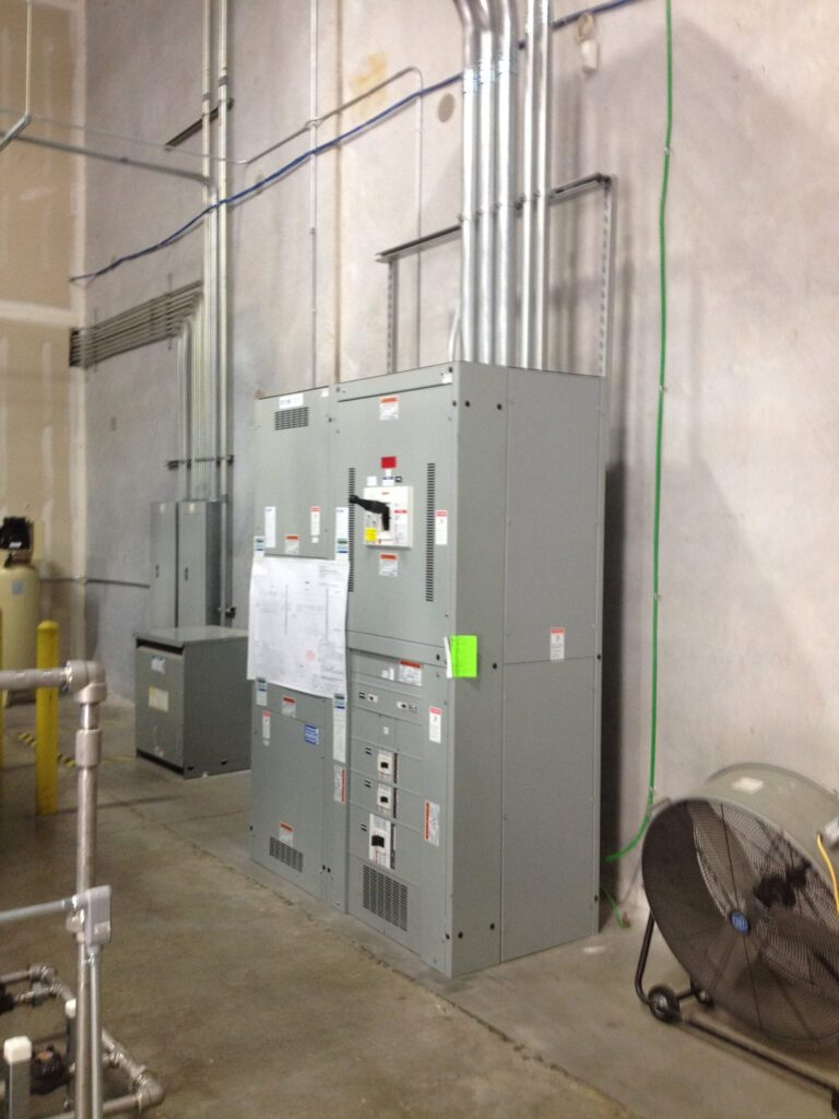 Commercial electrical service at RMG Electrical, Inc in Houston, Texas